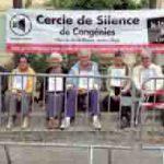 Cercle de silence à Congénies en soutien aux réfugiés demandeurs d'asile. Photo http://www.maison-quaker-congenies.org.